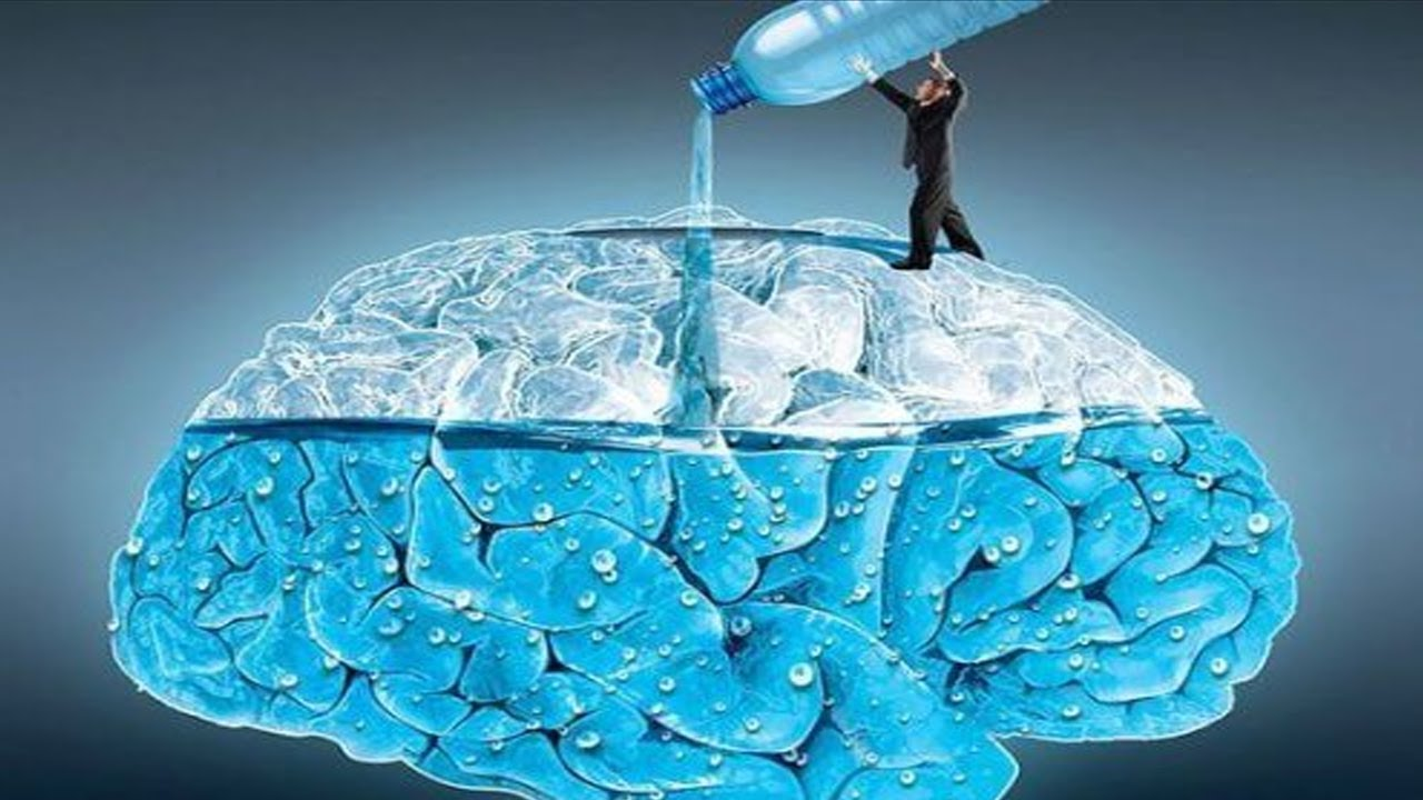 Вода помогает улучшить функции мозга и справиться с депрессией