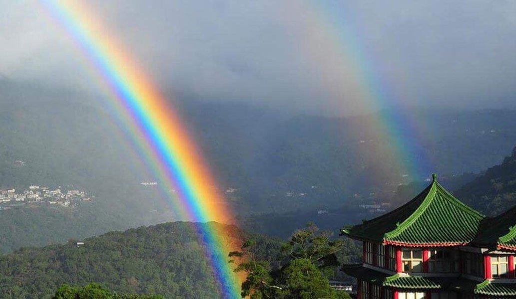 Какую роль играет вода в образовании радуги